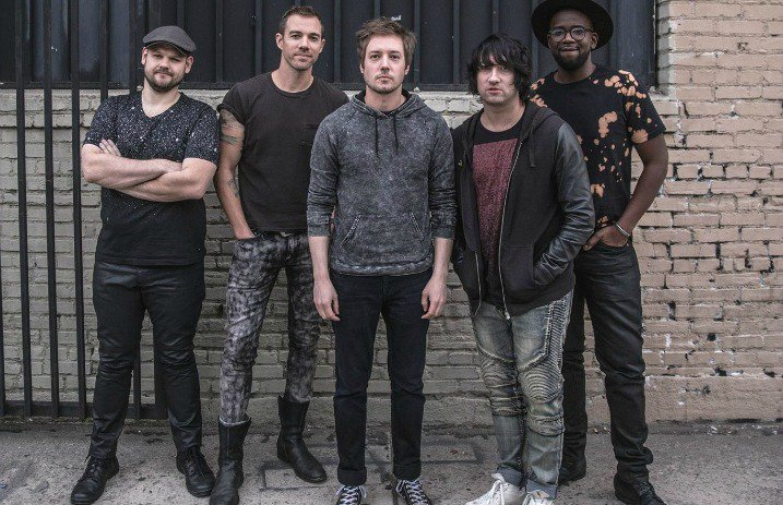 """Plain White T's Resign With Fearless Records, Release """"Land Of The Living"""""""
