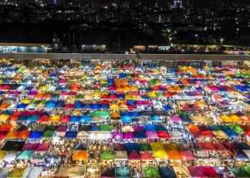 Rot Fai Market min - Wow!! Meriahnya Suasana Pasar malam di Dunia