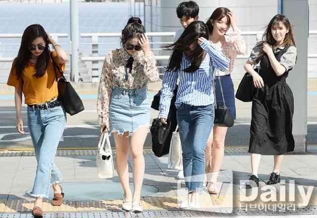 """red velvet kpop - Asyik.. Red Velvet Terbang Ke Indonesia Menghadiri """"Seoul Talk Concert in Jakarta"""""""