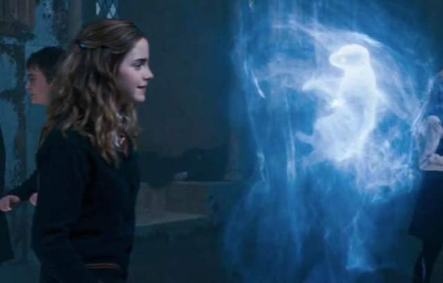ron dan hermione petronus bukan hal yang acak - Jangan ngaku penggemar Harry Potter jika kalian gak menyadari hal-hal unik dan janggal ini ada di dalam film Harry Potter