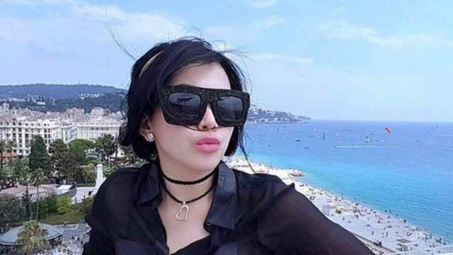 foto syahrini terbaru 2 750x422 - Profil lengkap Princess Syahrini