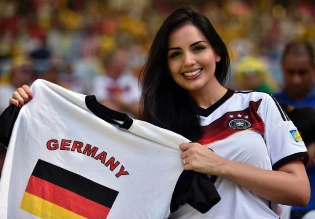 kecantikan suporter sepak bola timnas jerman 750x523 - Negara dengan Suporter Wanita timnas Sepak Bola Paling Cantik