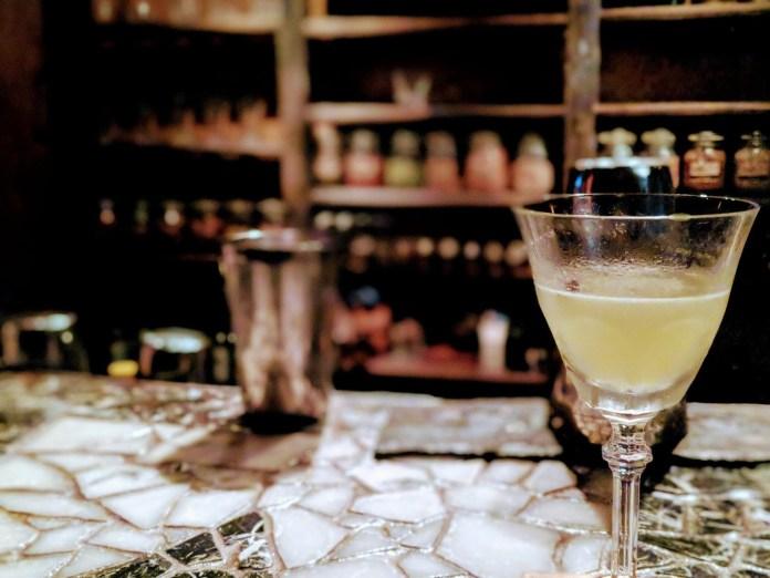 Nayuta 酒吧 2