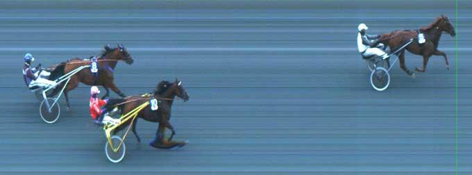 Elize Boko vinder foran Trinity D og Roberto Ry