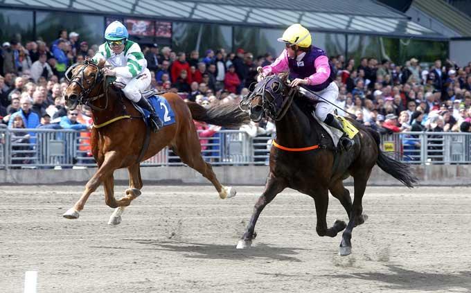 Torre Crepin med Sdrien Lamu vinder i verdensrekordtiden 1.10.0 foran Valdenburg, Foto Kanal 75