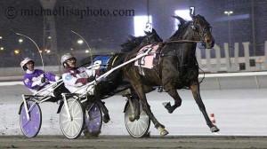 Melady's Monet med John D Campbell går frem til sikker sejr.