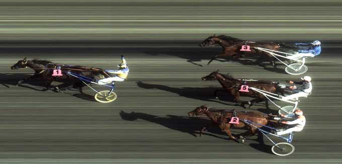 Rattigan med Knud Mønster førte det meste af løbet, men lev til slut overspeedet af Adiral Baggi med Oddvar Mæland