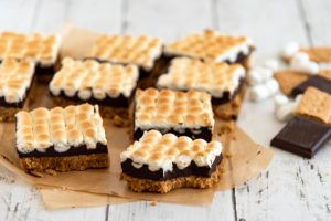 Toasted marshmallow s'mores bars