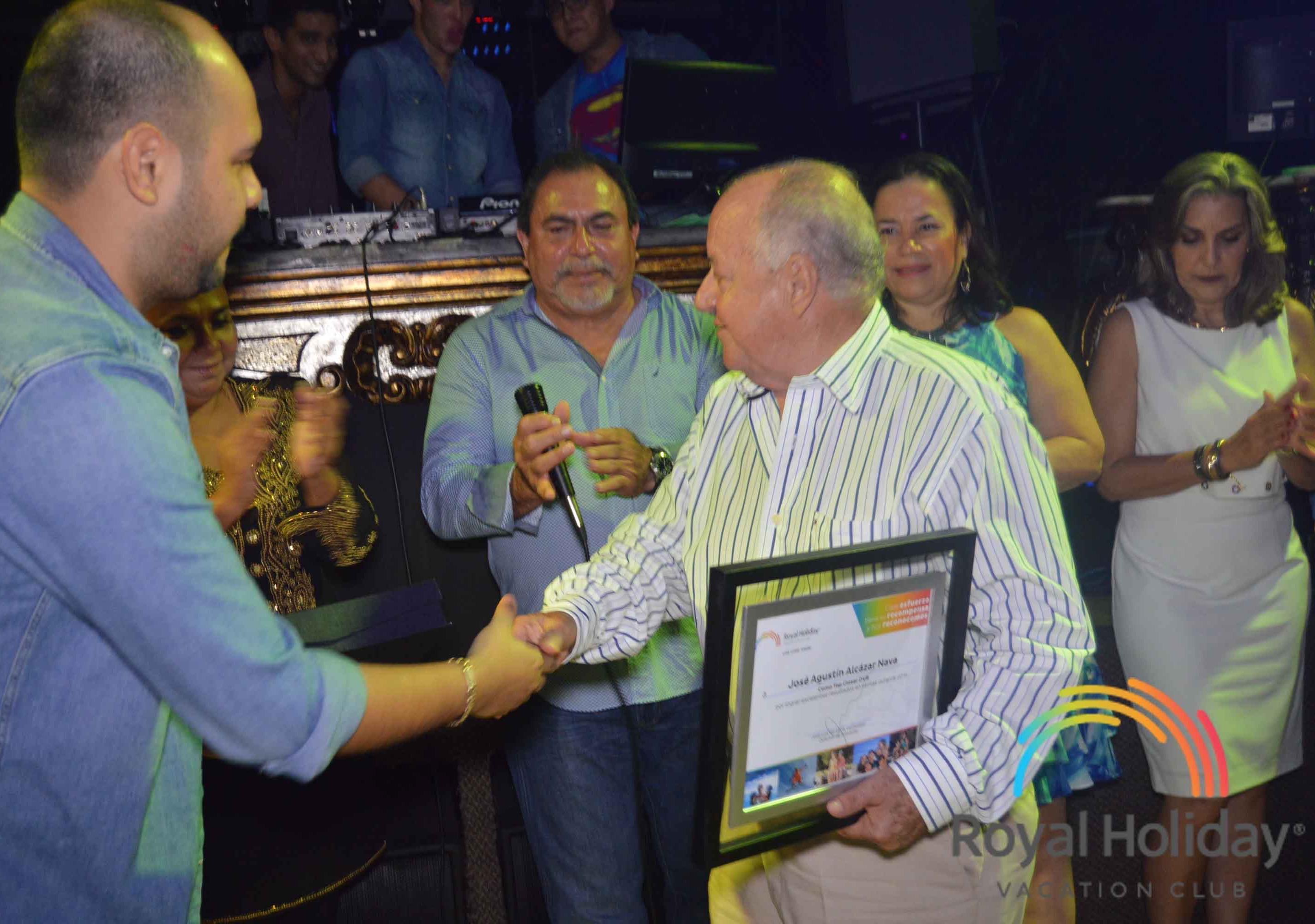 José Alcazar