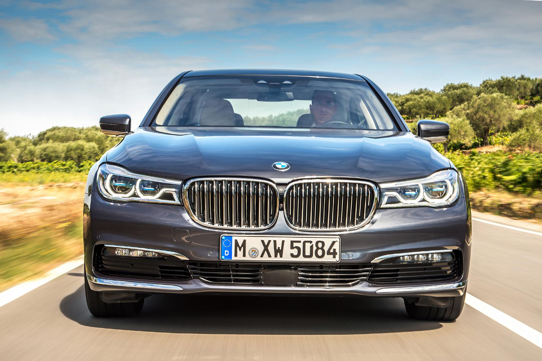 Bayerische Luxus-Limousine mit reichlich Chrome und viel Technik