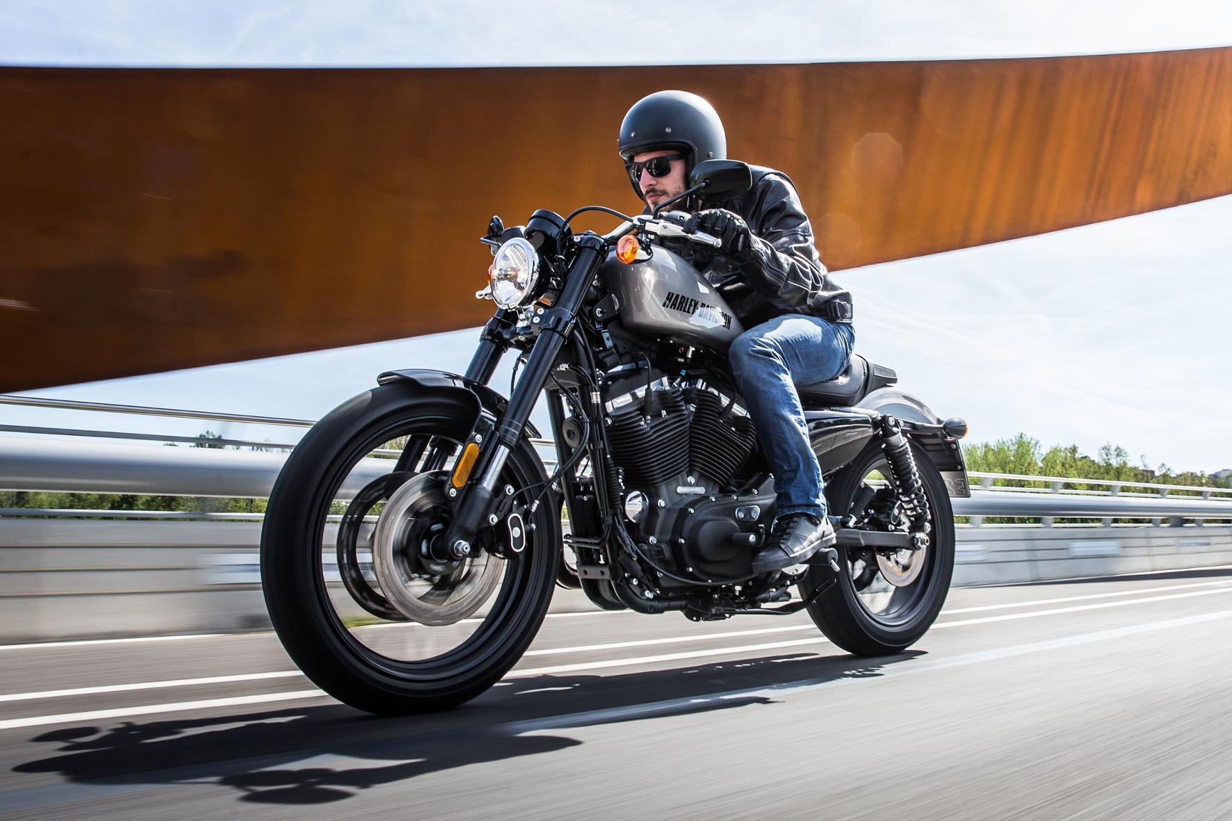 Harley-Davidson Roadster: Die Maschine für Mensch und Strasse