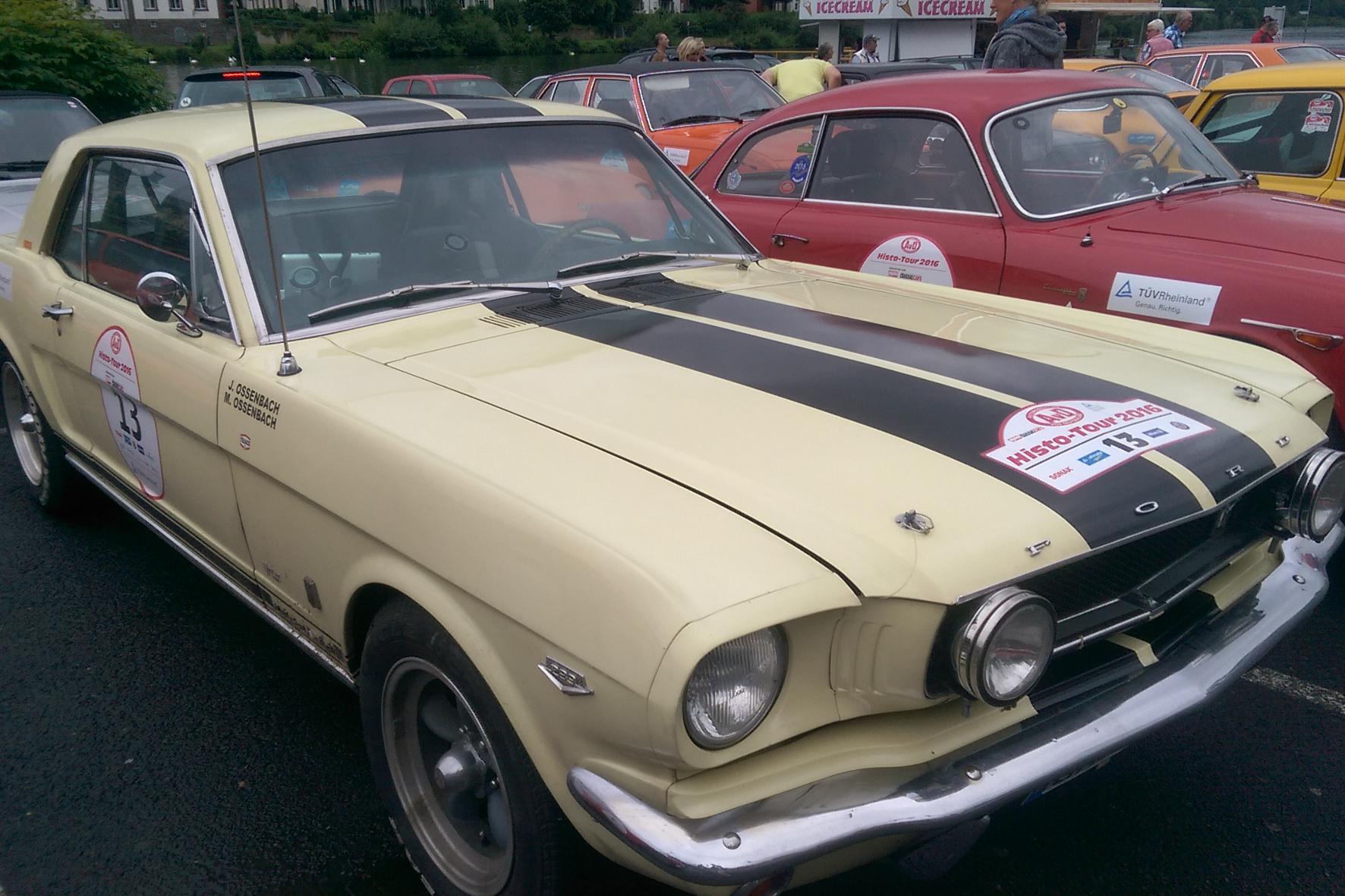 Nostalgie-Rallye mit rarer Reifenote
