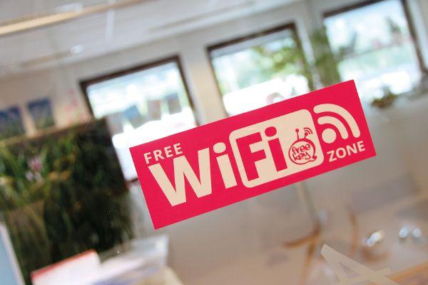 Kostenfrei im Internet surfen: Welche Risiken bestehen?