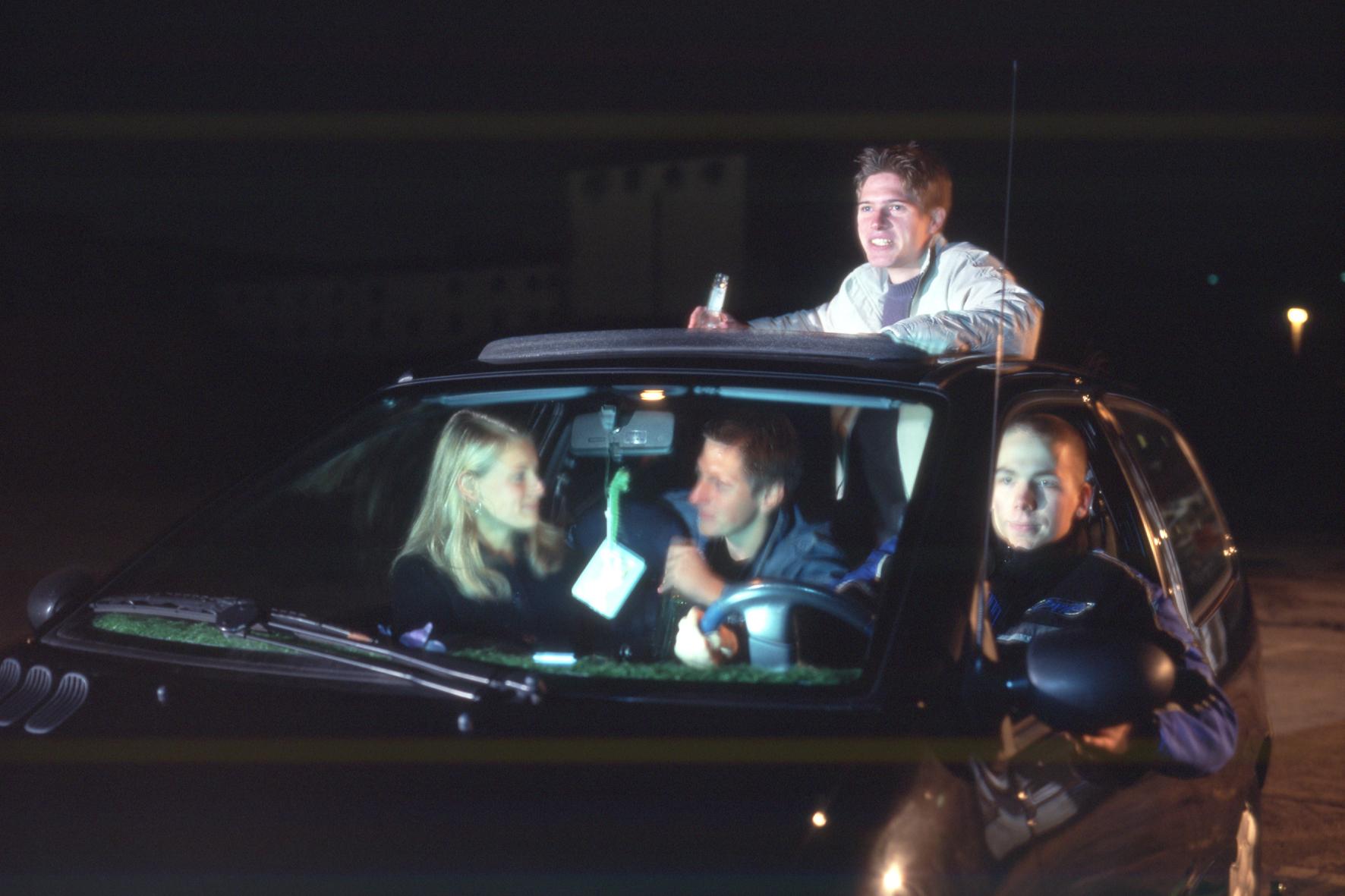 Urteile: Beifahrer bei Alkoholfahrt mit Unfall trifft Mitschuld