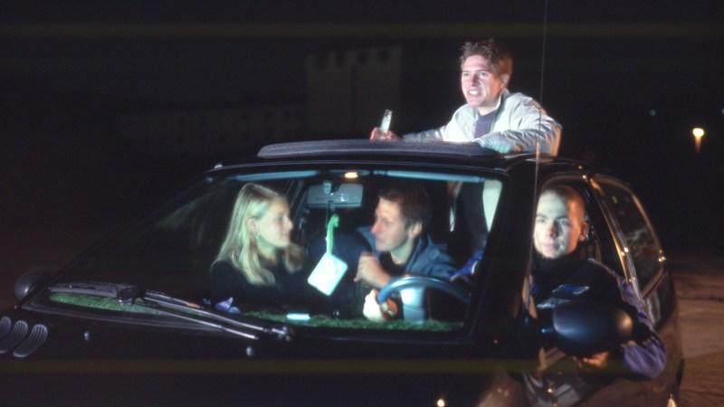 Beifahrer sind bei einem Unfall mitverantwortlich, wenn sie bei einem betrunkenen Fahrer einsteigen. © DVR / TRD Pressedienst