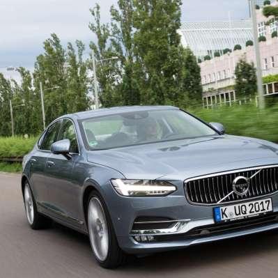 Der Volvo S90 verbindet Sicherheit und gediegene Eleganz. © Volvo /TRD Mobil