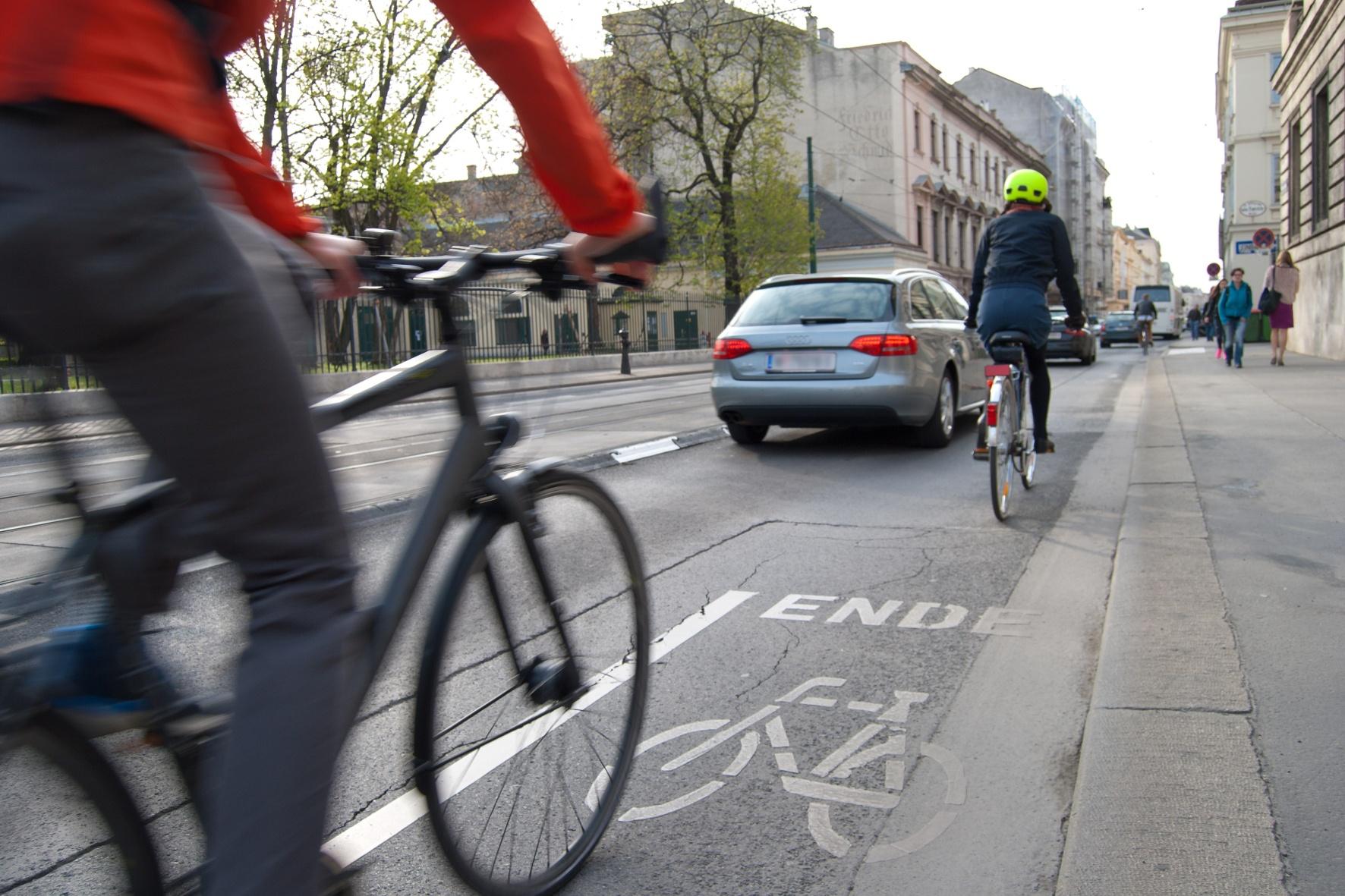 Jeder zweite Radfahrer offenbart eklatante Wissenslücken bei den Verkehrsregeln