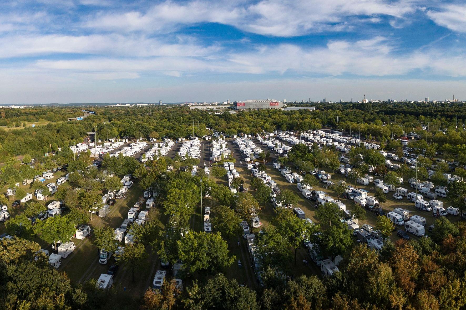 Düsseldorf bietet größten Stellplatz für Reisemobile in Europa