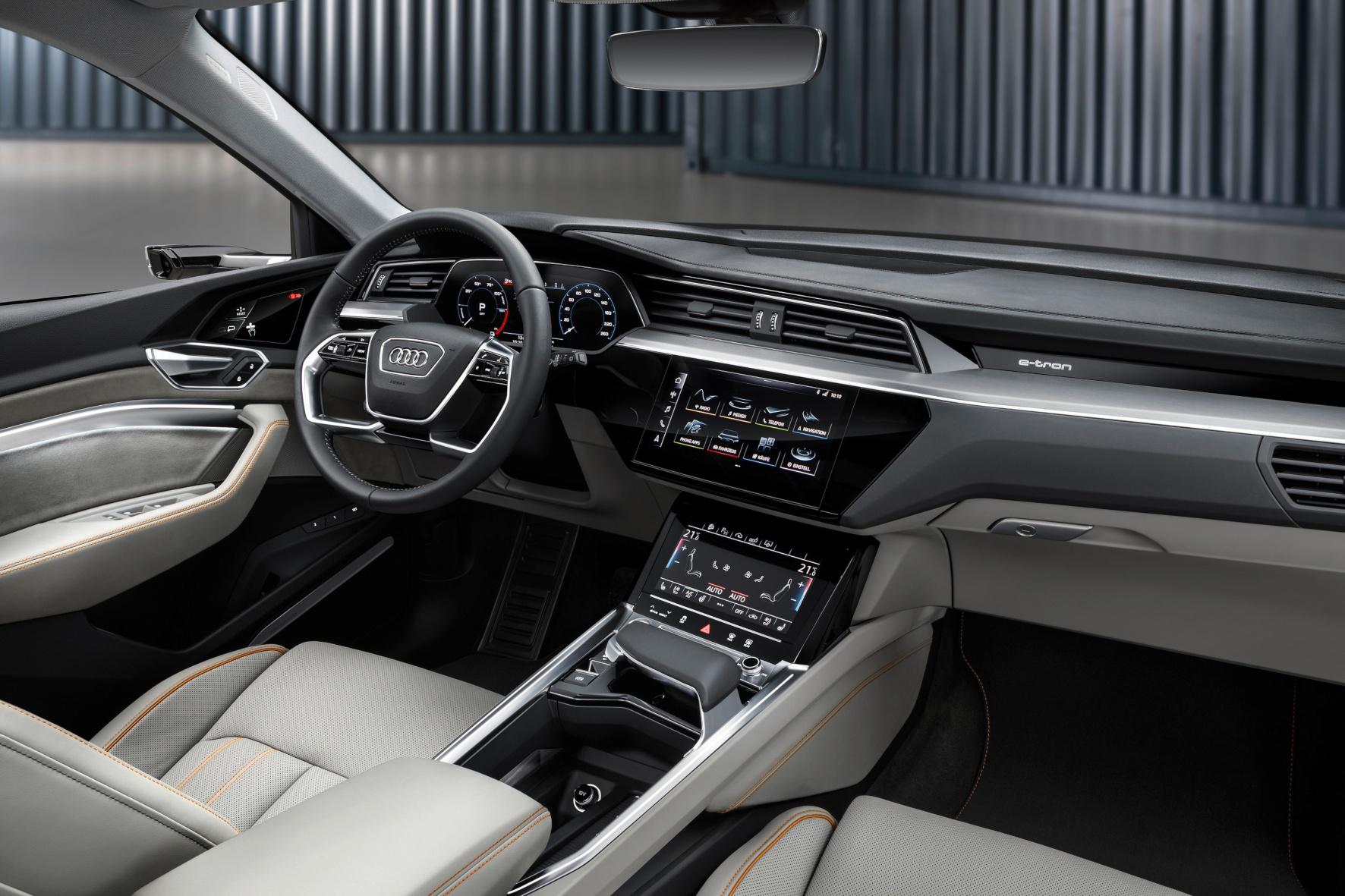 Weltpremiere: Audis Elektro-Serienmodell e-tron wurde im sonnigen Kalifornien vorgestellt
