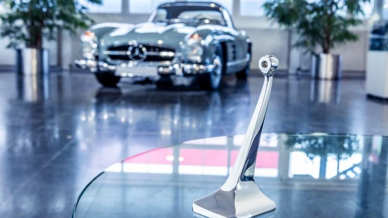 nnenspiegelfuß der Mercedes-Benz Baureihe 198 (