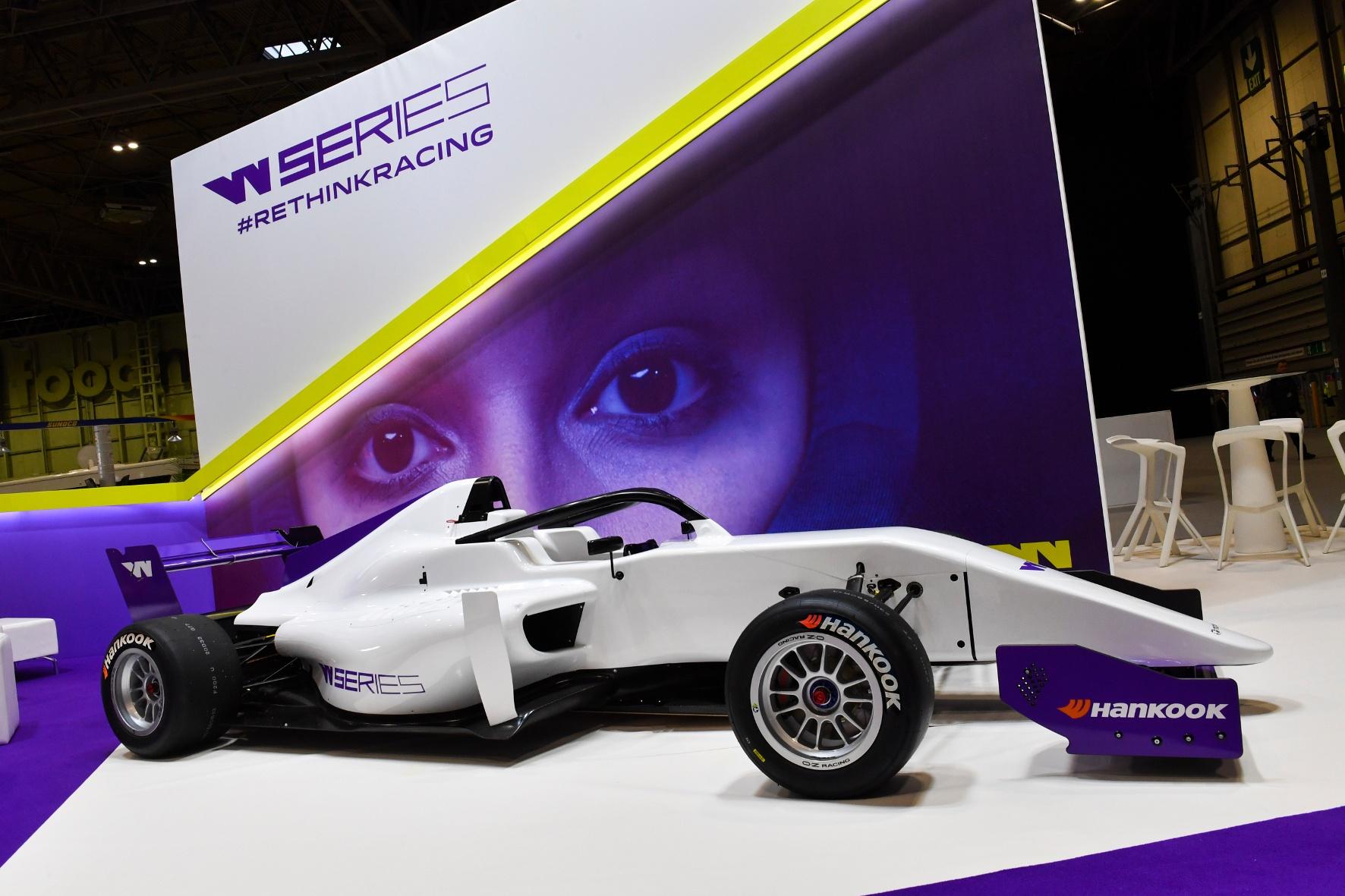 Motorsport: Reifenhersteller macht auf Frauenversteher