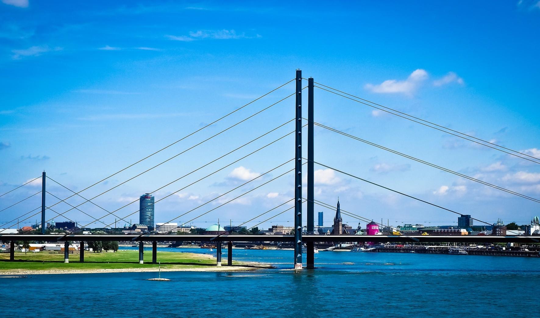 Düsseldorf ist die Rheinmetropole mit dem langsamsten Verkehrsfluß