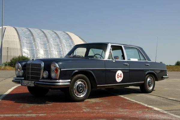 Zeitreise im Mercedes-Benz 300 SEL 3.5