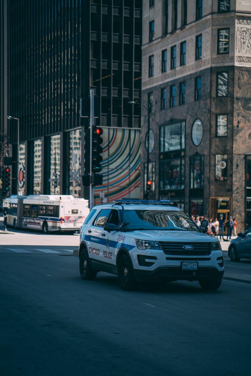 Neue Einsatzfahrzeuge mit Blaulicht vorgestellt