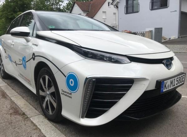 Toyota Mira1