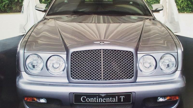 Ein silberner Bentley als Zeuge der Zeitgeschichte
