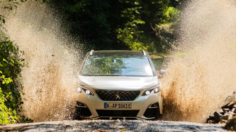 Wasserfahrt eines Peugeot