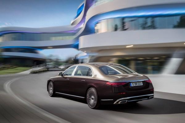 Länge läuft: der neue Maybach hat gegenüber der langen S-Klasse nochmal um 18 Zentimeter zugelegt. © Daimler / trd mobil