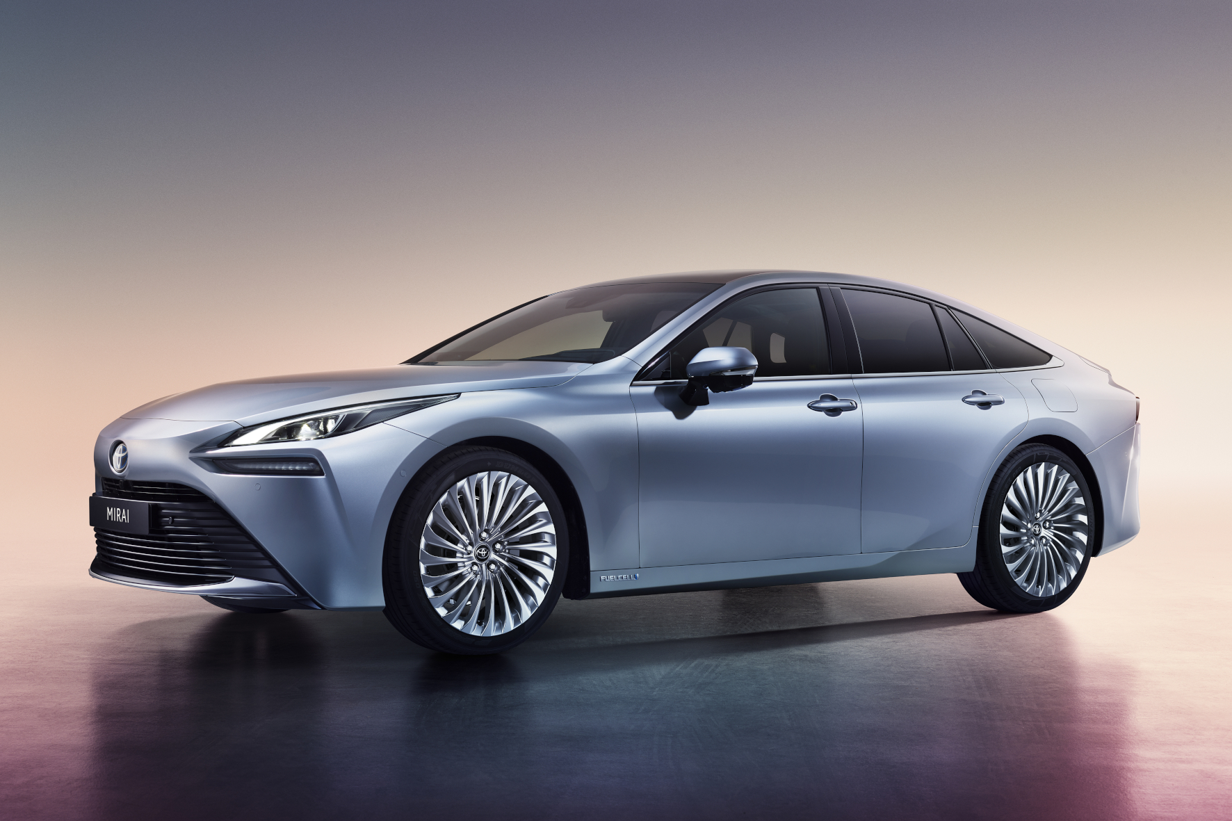 Kanpai Toyota: Hersteller startet mit Brennstoffzellen-Limousine durch