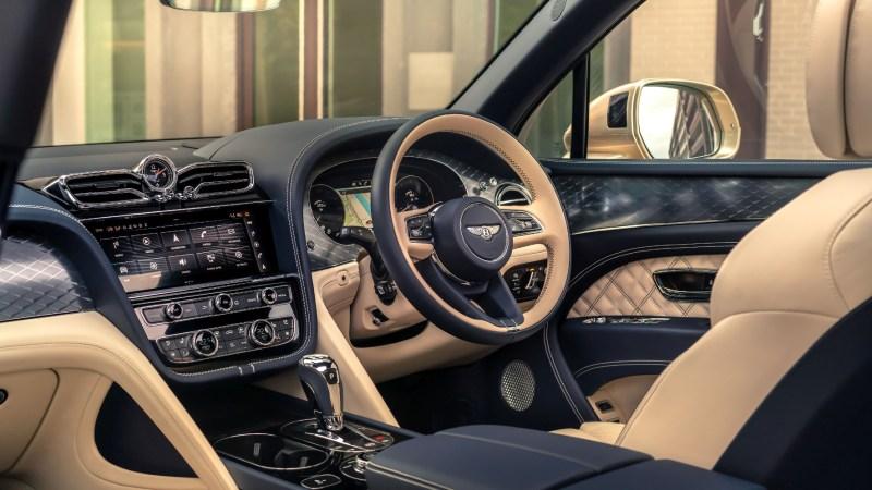 - Die feine englische Art: Für den deutschen Markt gibt es den gleichen Cockpit-Luxus, dann allerdings mit Linkssteuerung. © Bentley / TRD mobil