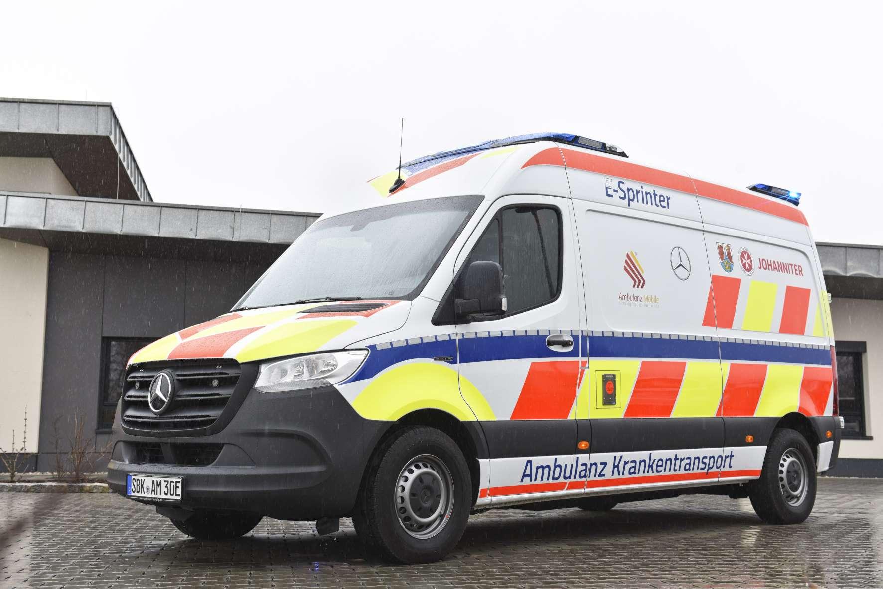 Über rollstuhlgerechte Großraum-Vans und Krankentransporter