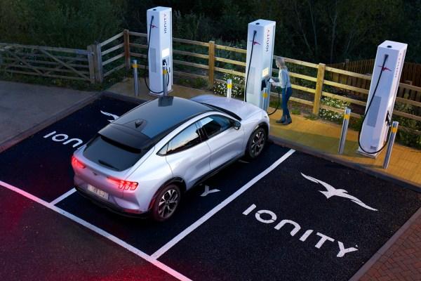 Fürs Laden des Mustang Mach-E hat Ford eine Kooperation mit Ionity abgeschlossen. © Ford