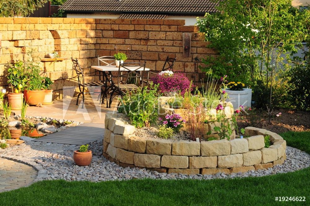 """Gartenrecht: Mit """"Kümmern"""" sind einfache Arbeiten wie Rasenmähen, Laubharken und Unkrautjäten gemeint"""