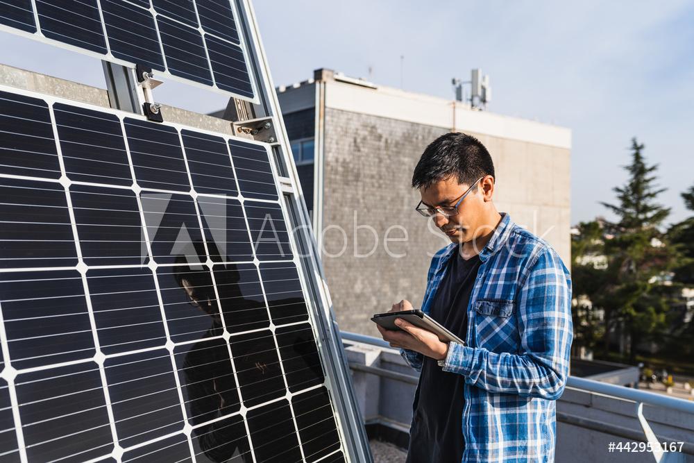 Bei älteren Photovoltaik-Anlagen lohnt die Selbstnutzung des Solarstroms