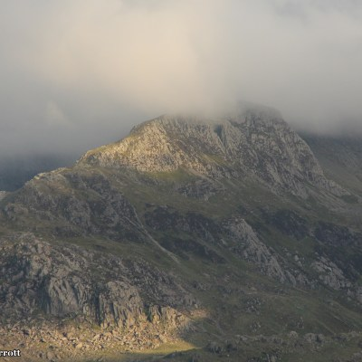 The dramatic views of the tNant Ffrancon Pass, Dyffryn Ogwen during the golden hour.