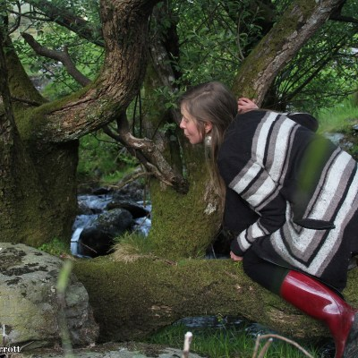 Looking for fairies by the banks of the Afon Berthen.  The sun is setting, time for a beer and a good night sleep, needed to prepare formy first full day in Wales, when I will scramble up a mountain!