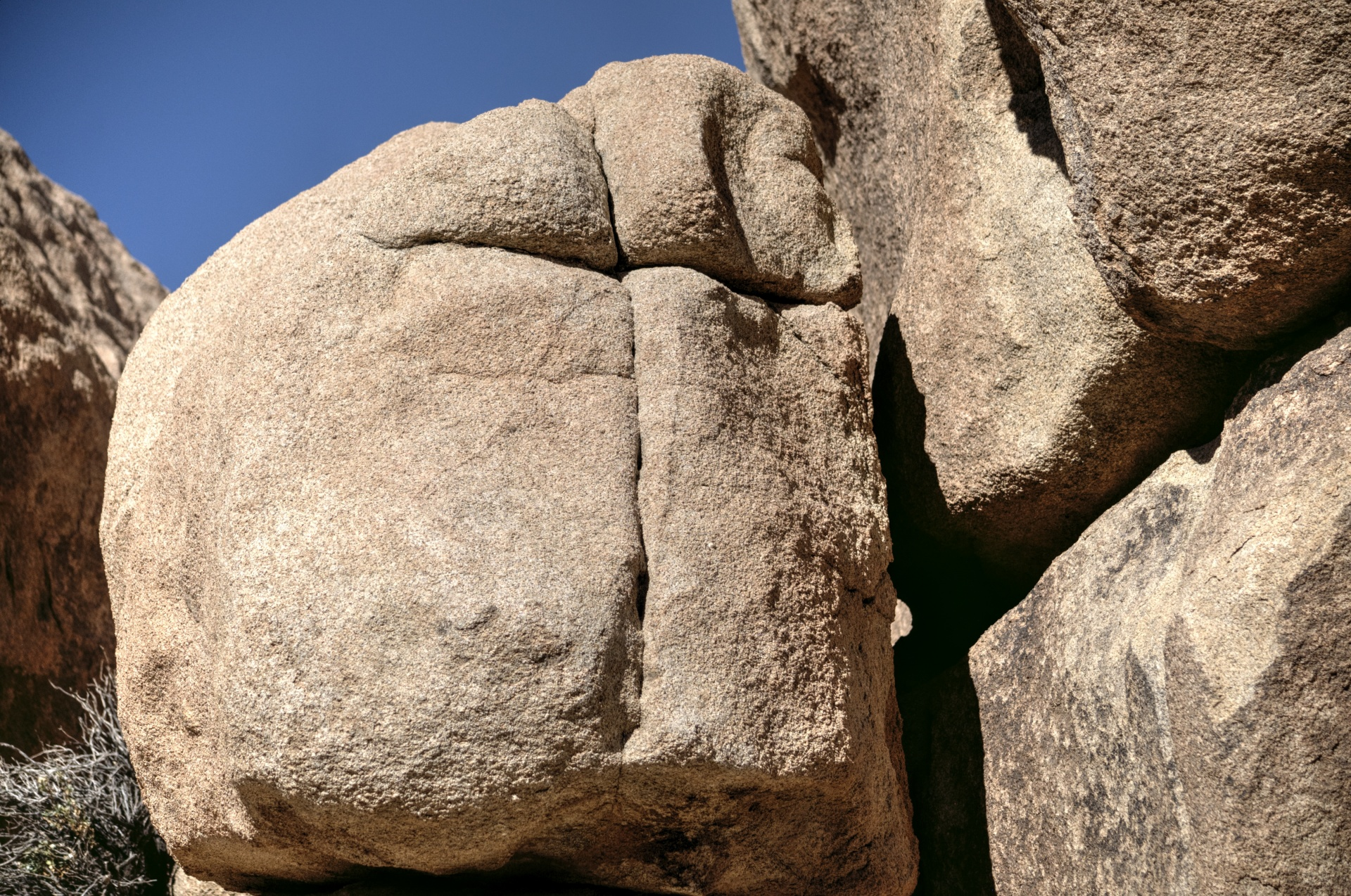 boulder-rock-background-1518197565g1A