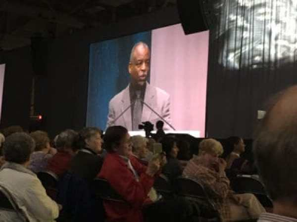 LeVar Burton Key note Speaker at RootsTech