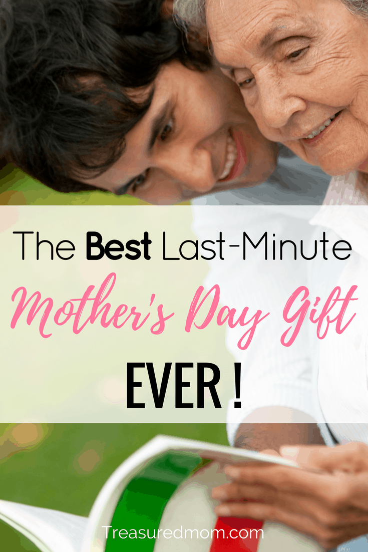 This is the BEST Last-Minute Mother's Day Gift Ever! Looking for a last minute Mother's Day Gift? Storyworth creates a beautiful keepsake to preserve your family's memories. Great Storyworth review.