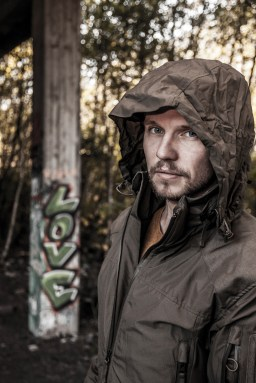 Lost Place-Fashion-Shooting erschienen in der Outdoor-Zeitschrift tactical Gear 1/2016 Model: Christian Silys