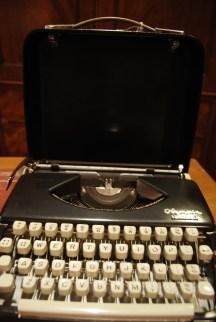 "Vintage Olympia Typewriter ""Splendid 66″ Model £38"