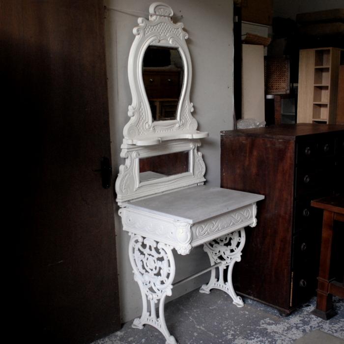 Victorian Cast Iron Wash Stand Treasure Trove Antique