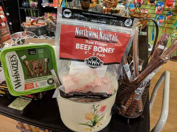 Raw beef bones are some of the best for cleaning pet teeth.