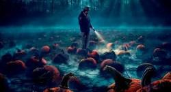 Netflix divulga novo poster de Stranger Things com temática de Halloween