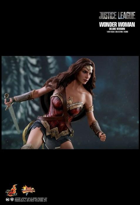 Hot Toys divulga incrível action figure da Mulher-Maravilha.