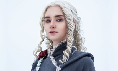 Cosplayer faz fotos como Daenerys usando trajes da 7ª temporada de Game of Thrones